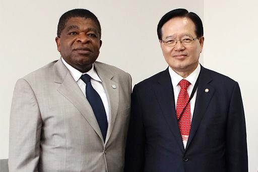 정의화 국회의장과 마틴 춘공 IPU 사무총장